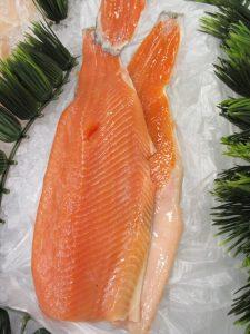préparer sushi au saumon
