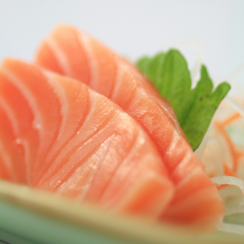 deguster sushi sashimis